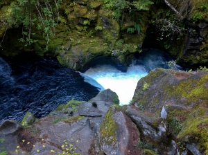 Deep rounded gorge created by the fast swirling waters and sediment of Middle Umpqua River